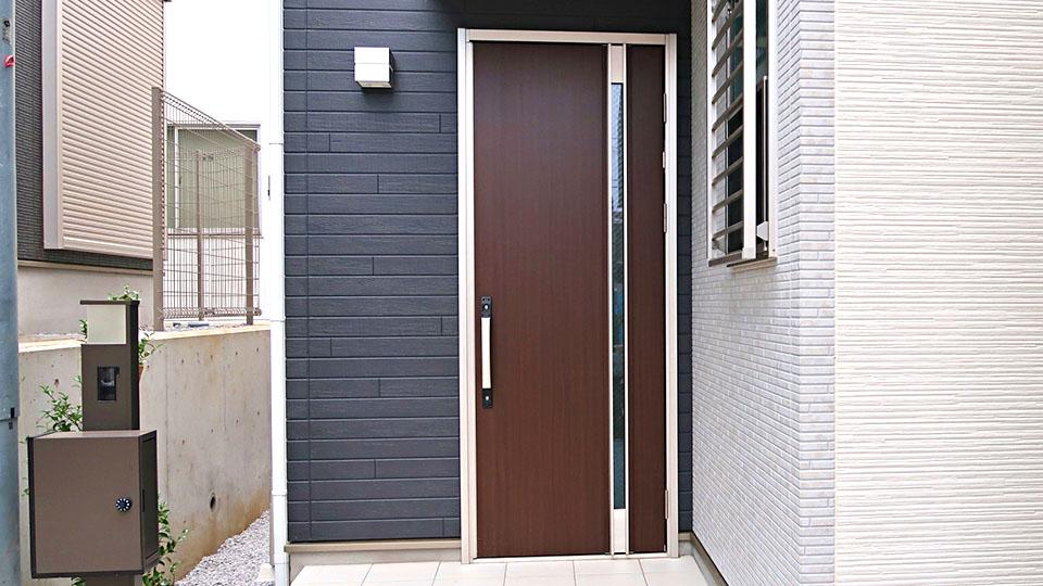 ドアの新調